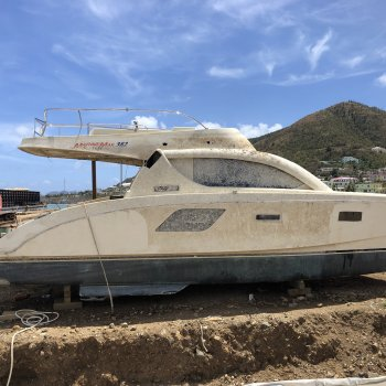 Aquila - 382 - 38 Foot  2012-  - Blue Runner